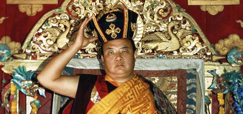 Jo Šventenybė XVI Karmapa atlieka Juodosios Karūnos ceremoniją