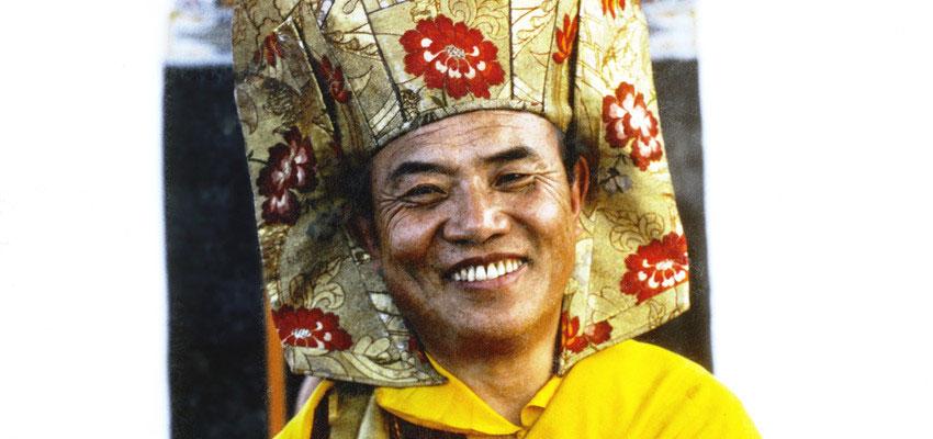 Jo Šventenybė XVI Karmapa su Gampopos kepure