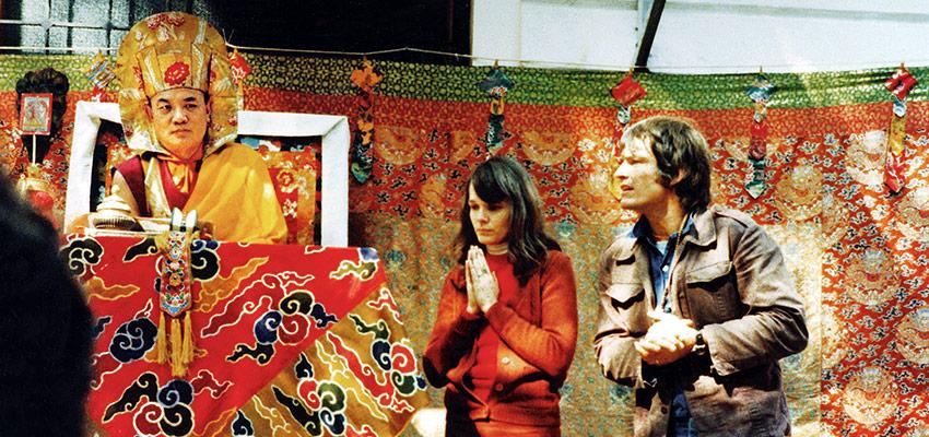 Rangdžungas Rigpė Dordžė, Jo Šventenybė XVI Karmapa, su Hana Nydahl ir Lama Ole Nydahlu 1977 m.